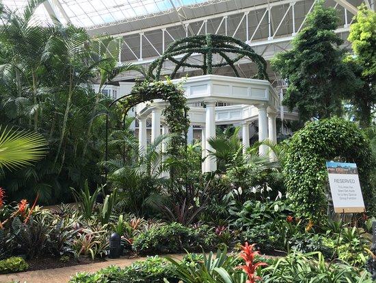 Opryland Hotel Gardens: Gazebo in gardens