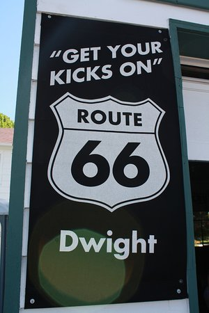 Dwight, IL: Get your Kicks on Route 66