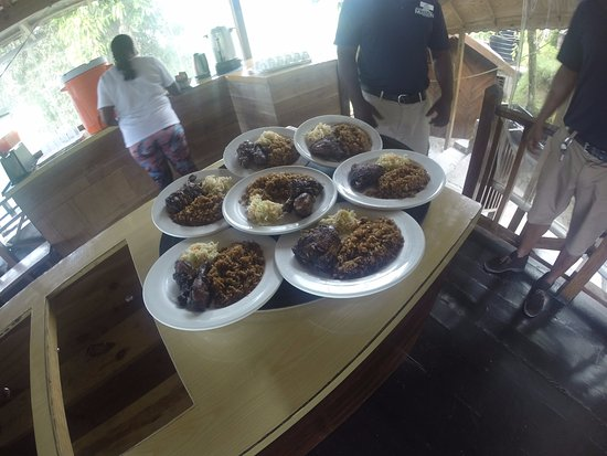 Blue Mountain Bicycle Tour : Lunch