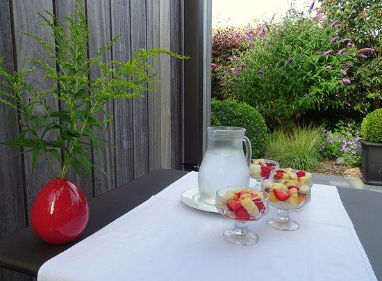 Jabbeke, Bélgica: Ontbijt in de tuin