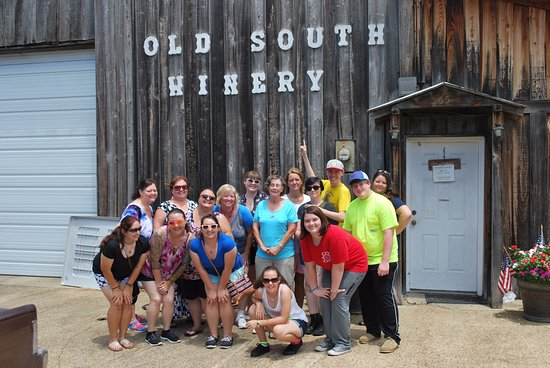 Natchez, MS: Summerlin Clan @ Old South Winery