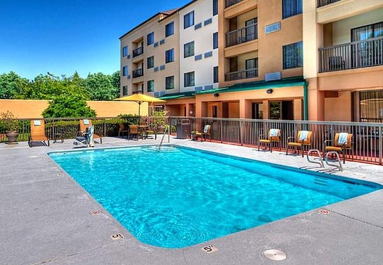 Burlington, Caroline du Nord : Outdoor Pool
