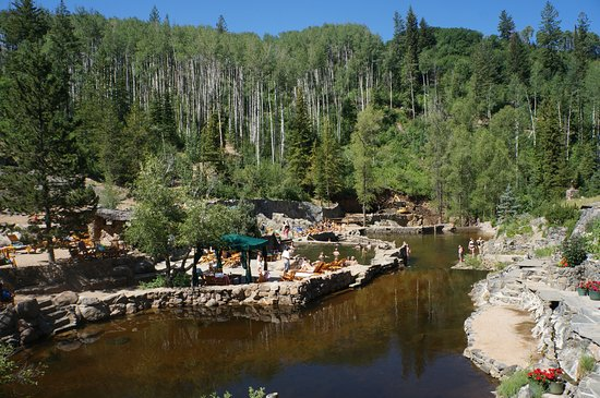 Strawberry Park Hot Springs: Hot springs surrounded by natural beauty