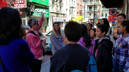 Chinese Culture Center : Many school groups come on walking tours