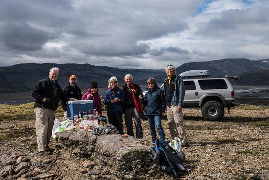 Hafnarfjordur, ไอซ์แลนด์: Lunch at an isolated spot