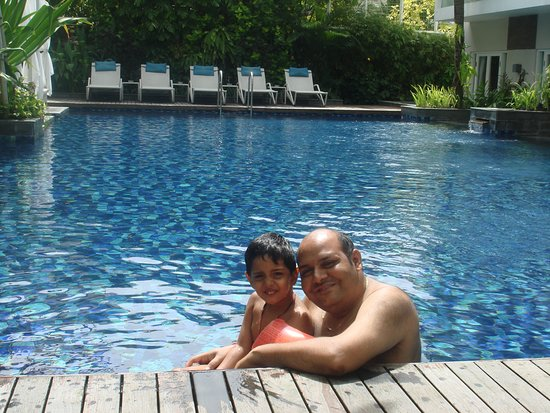 Grand Ixora Kuta Resort: Lovely dip pool