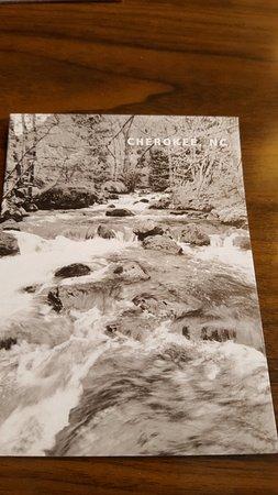Hampton Inn Cherokee: Free postcard in room!