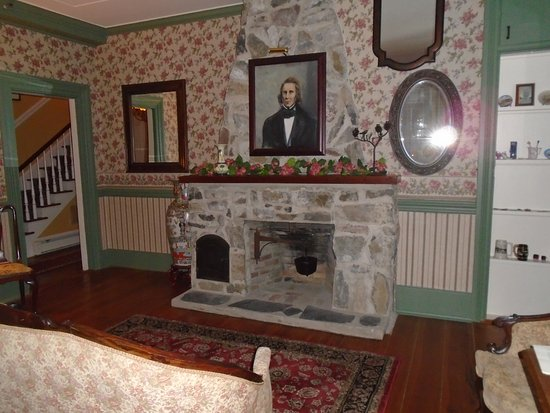 Absecon, Nueva Jersey: Living room on first floor