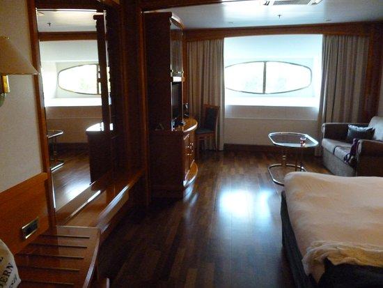 Beautiful Yacht but staff need a little bit more training!
