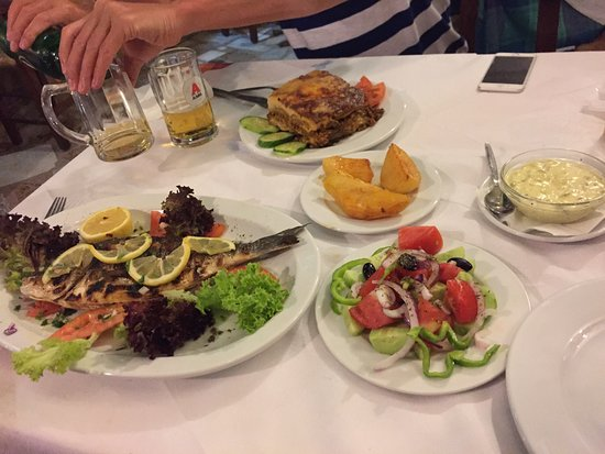 Manolis Taverna-Restaurant: photo1.jpg