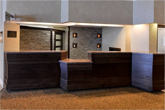 BEST WESTERN PLUS Mariposa Inn & Conference Centre: Lobby