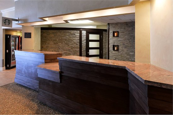 Best Western Plus Mariposa Inn & Conference Centre : Lobby