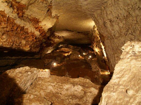 Grotte Bara Bahau