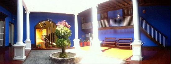 Casa Urquiaga (Casa Calonge): patio