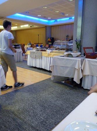 Pacific Hotel Fortino: colazione
