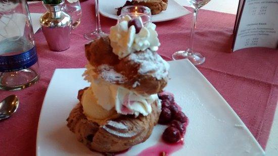 Brunneck Hotel: Enjoy a fantastic dessert.
