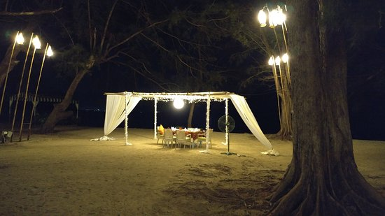 Manukan Island, Maleisië: cabana on beach