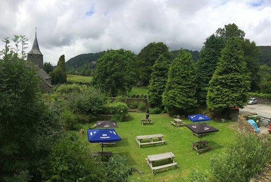 Maentwrog, UK: Beer Garden