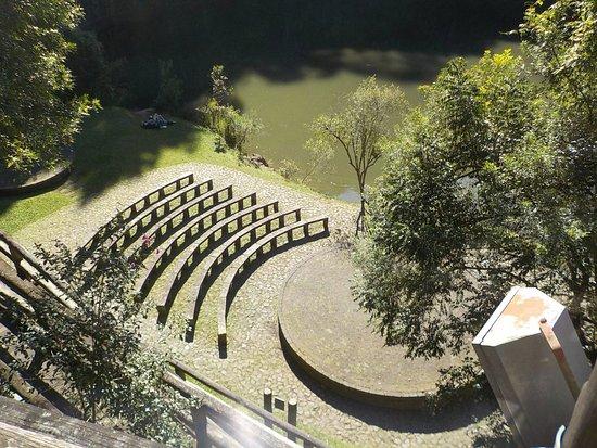 UNILIVRE Universidade Livre do Meio Ambiente: Vista do teatro ao ar livre