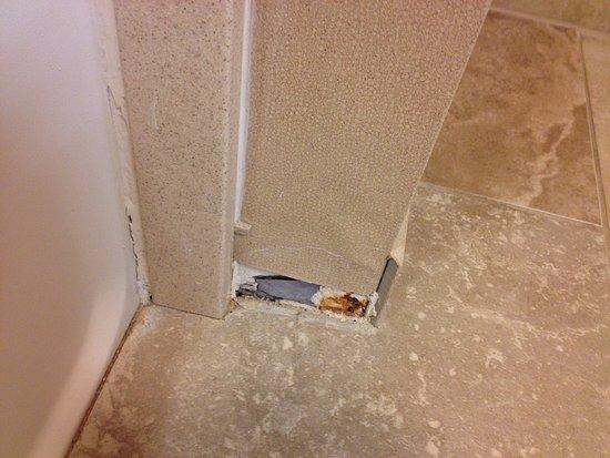 Enfield, CT: Broken/missing tile