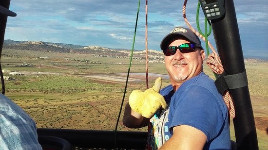 Gallup, Nuevo Mexico: Bill is a great pilot and a tour guide.