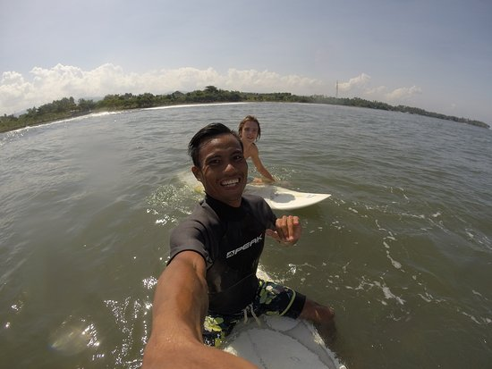 Jembrana, Indonesien: Out back in Medewi waiting for the perfect wave