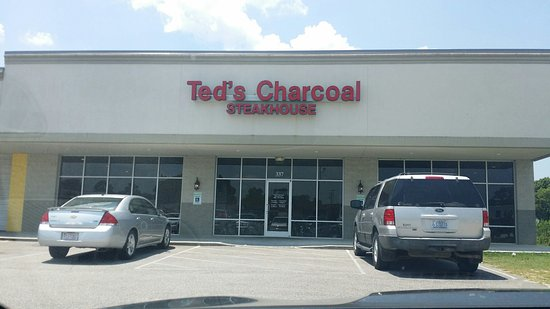Clinton, Carolina del Norte: Ted's Charcoal Steakhouse