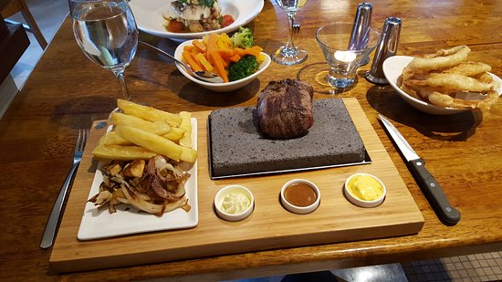 Thurles, Irlanda: 8oz steak on stone