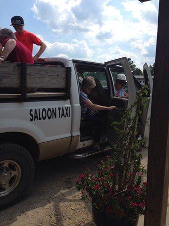 Tuscumbia, AL: Saloon taxi