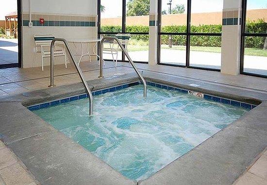 Merced, Californië: Indoor Whirlpool