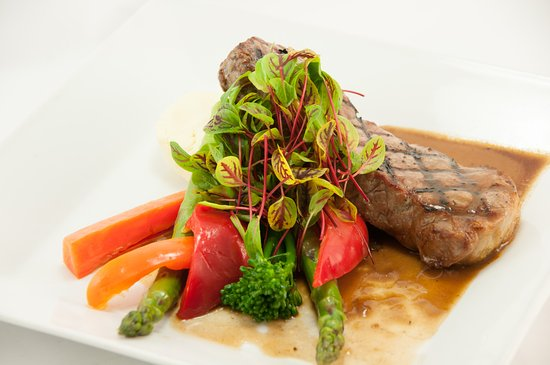 Grape and Olive Wine and Martini Bistro: Striploin Dinner Special