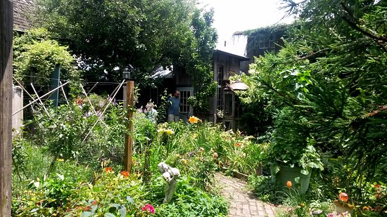Wytheville, VA: Gardens