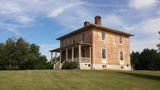 Stephens City, VA: The Manor House: The main house on the property with dining and guest rooms.