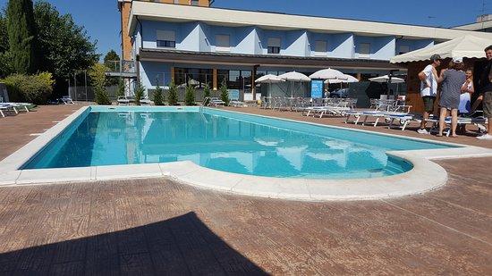 Ristorante foto di piccolo hotel nogara restaurant - Piscina g conti verona ...