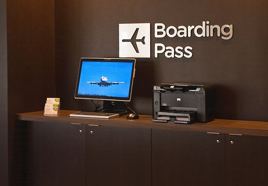 Landover, MD: Boarding Pass Station