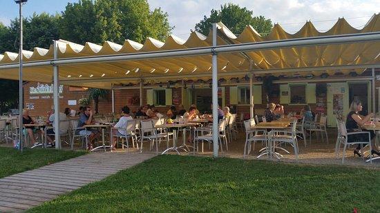 Spectaculaire avis de voyageurs sur le quai fleuri - Office de tourisme saint jean d angely ...