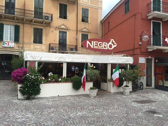 Vado Ligure, Italia: Vue de la rue