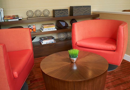 Creve Coeur, MO: The Bistro Seating Area