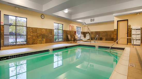 Grand Hotel At Bridgeport Indoor Heated Pool And Spa