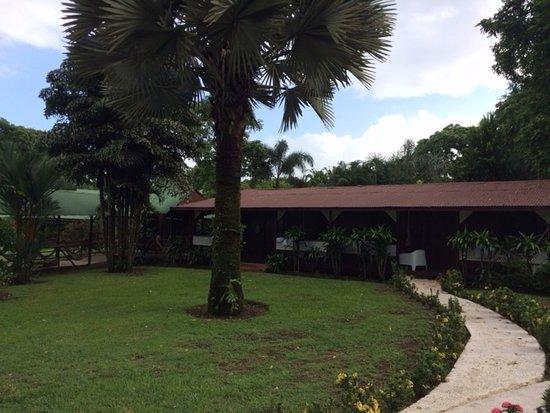 Mawamba Lodge: Sehr schöne Wege zu allen Unterkünften