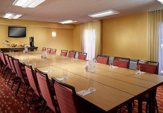 College Park, GA: Meeting Room – Boardroom Setup