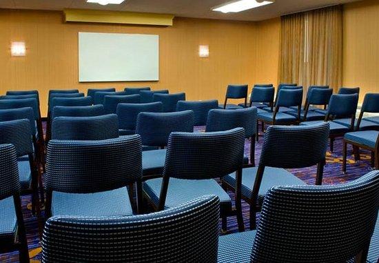 East Syracuse, نيويورك: Meeting Room