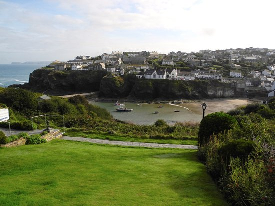 Hathaway Guest House: View of Port Issac from Hathaway house