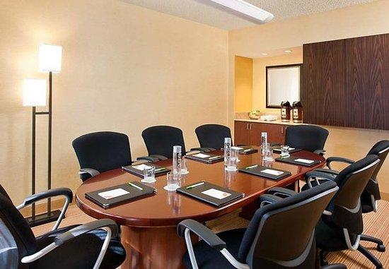 Лагуна-Хиллз, Калифорния: Boardroom
