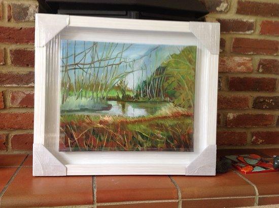 Milton Abbas, UK: The Stream feeding Abbey Lake , next to a footpath walk from the Abbey