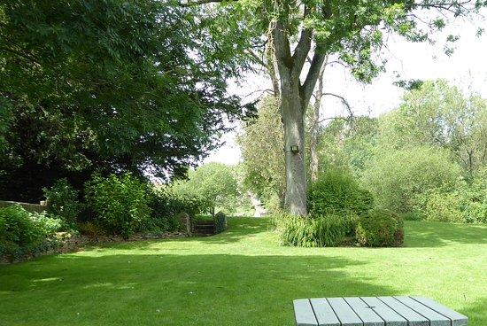 Fossebridge, UK: I love the quiet garden