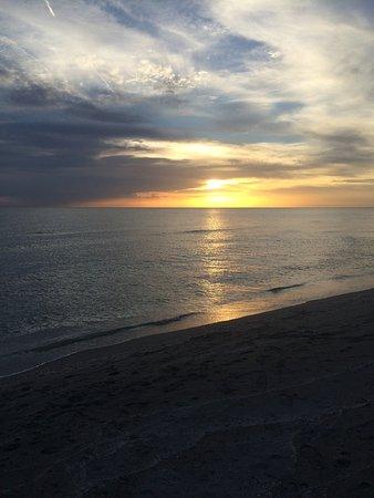 Tropical Beach Resorts Resmi