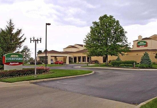 Courtyard Kansas City South: Entrance
