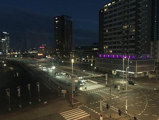 Inntel Hotels Rotterdam Centre: Stark frequentierte Kreuzung