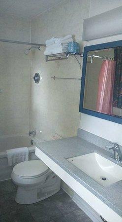Suburban Motel Picture